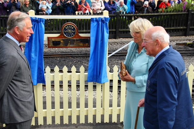 10th anniversary plaque unveiling at Exbury by HRH The Prince of Wales